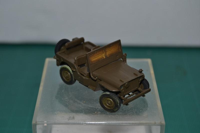 """La 2ème DB """"Jeep - GMC CCKW353 - Sherman M4a2""""  [Heller 1/72] Dsc_0069"""