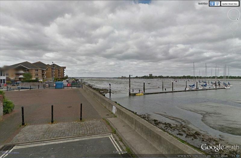 Tout prés de Portsmouth - Angleterre [C'est quoi ?] Sans_t79