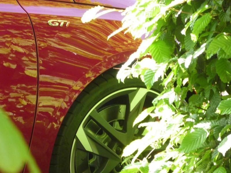 """Présentation et Photos de votre Voiture """"Peugeot"""" - Page 2 Zoom_g10"""
