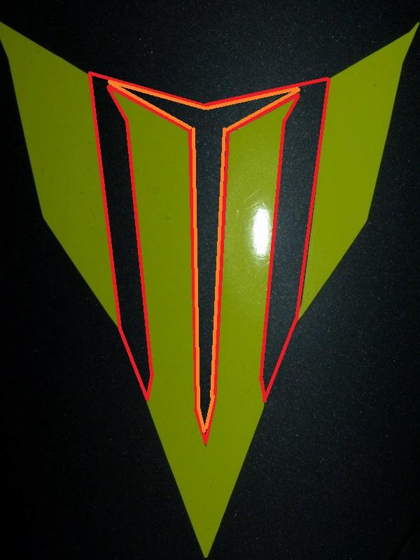 L'emblème Yamaha : du phénix aux diapasons... P1030810