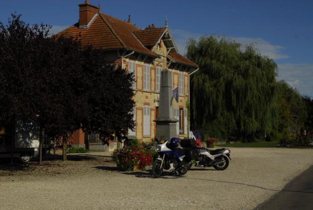 Région de Troyes,  à quatre motards et 2 motos... _bob2948