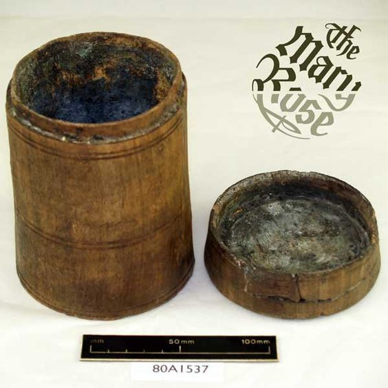 dosettes en bois pour la poudre des arquebusiers 3a7d1f10