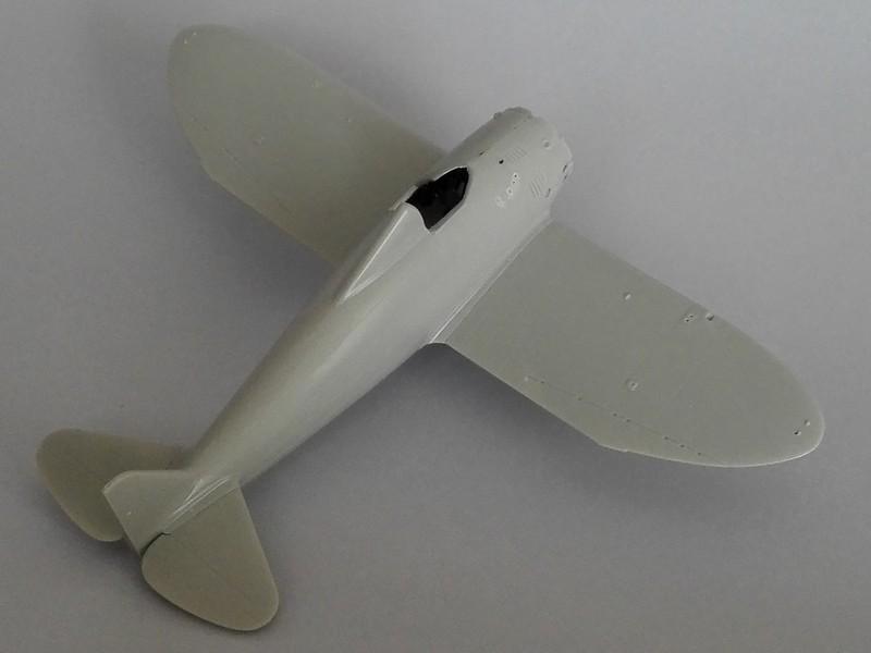 P-26 Peashooter Academy (et Starfighter decals) Mon0110