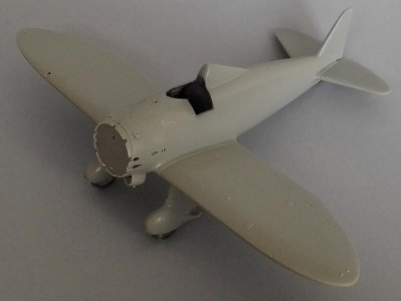 P-26 Peashooter Academy (et Starfighter decals) Mon0210
