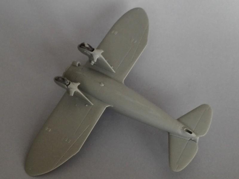 P-26 Peashooter Academy (et Starfighter decals) Mon0310