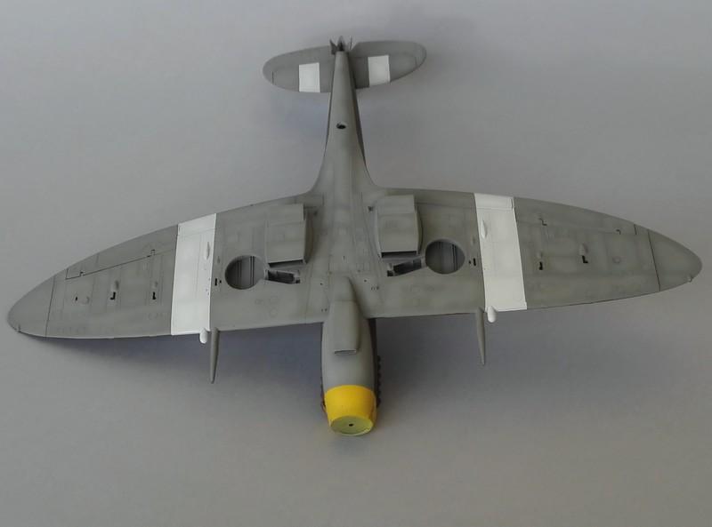 Spitfire Mk VIII Eduard au 1/48 - Page 2 Mon4310