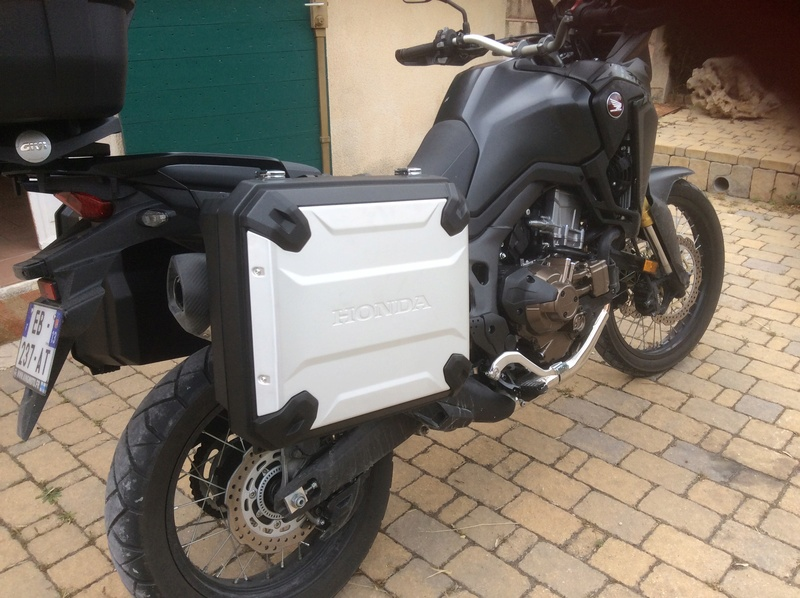 -2016- Album photo Africa Twin CRF 1000 - Page 5 Img_0410