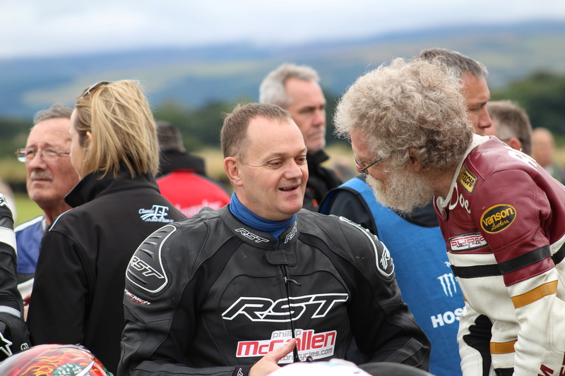 [Road Racing] CLASSIC TT ET MANX GRAND PRIX 2016 - Page 6 Img_7012