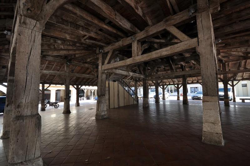 STREET VIEW : halles et marchés couverts - Page 2 89243810