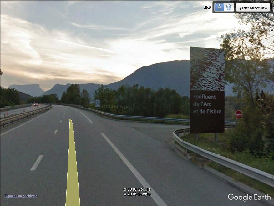 Panneaux touristiques d'autoroute (topic touristique) - Page 4 Conflu10