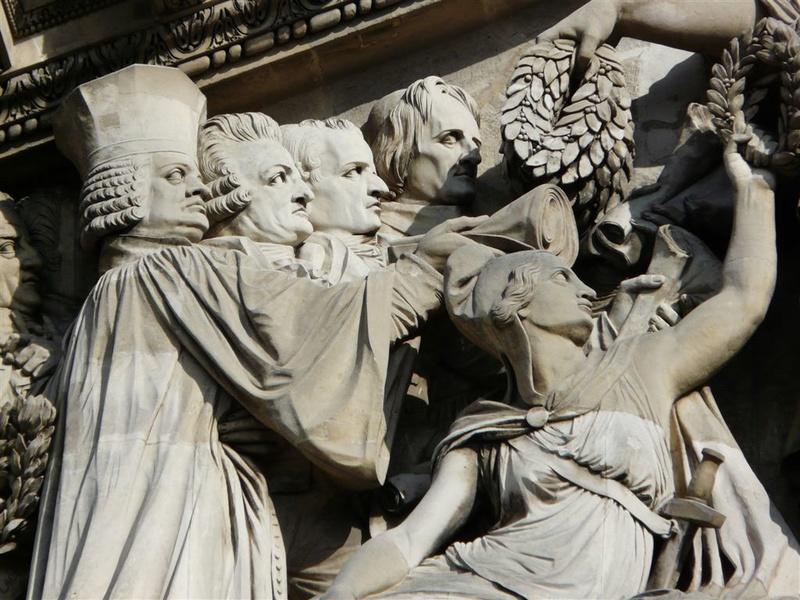 ARCHITECTURE : les frontons racontent une histoire Detail10