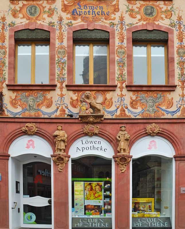 STREET VIEW : les façades de magasins (Monde) - Page 9 Lowen10