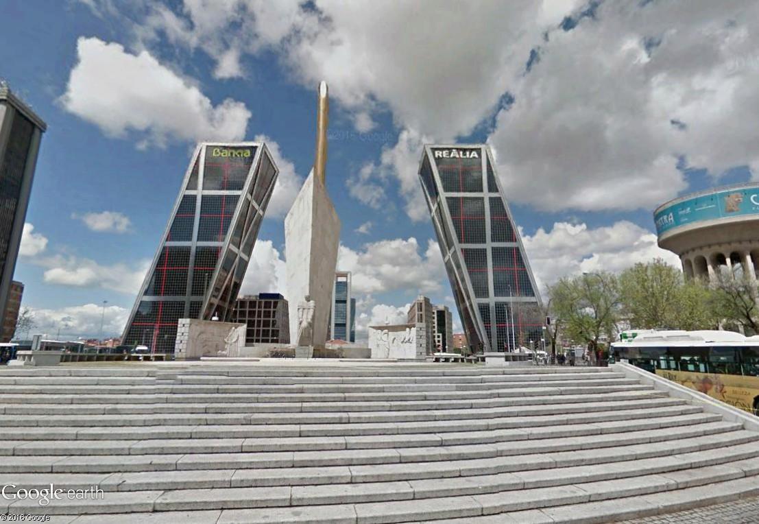"""Les constructions et monuments """"penchés"""" - Page 2 Madrid13"""