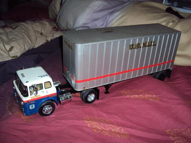 Vends diverses maquettes montées Plymouth, Chevy & truck Dsc01642