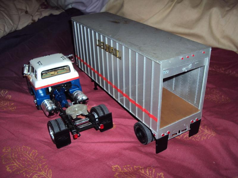 Vends diverses maquettes montées Plymouth, Chevy & truck Dsc01643
