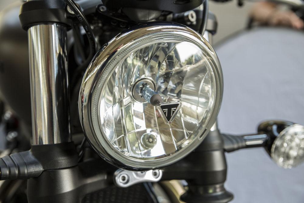Triumph 1200 BobbeR New-2011