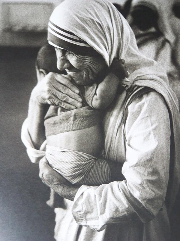 Mère Teresa canonisée le dimanche 4 sept. 2016 Mere-t10