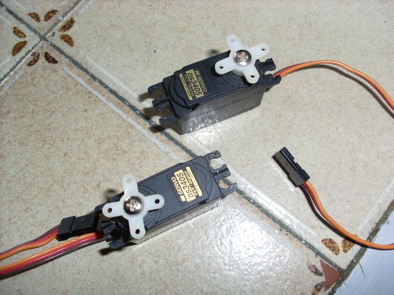 Vends 2 servos JR  Ds 3405 Jr_1411