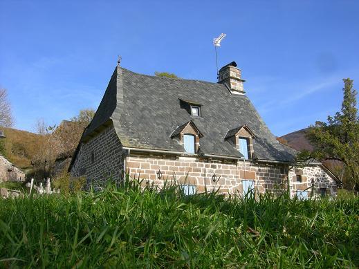 Villes et villages de charme du Cantal Dscn4410