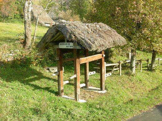 Niervèze, l'authentique village du XIXe siècle Dscn4411