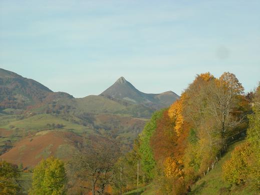 Villes et villages de charme du Cantal Dscn4530
