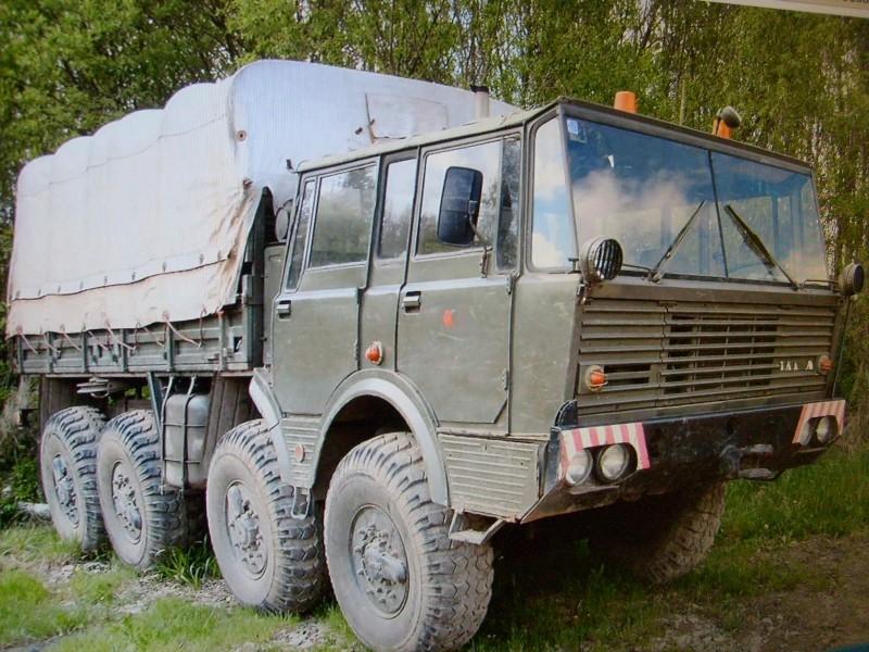 LKW TATRA 813 KOLOS M 1:20 gebaut von klebegold Messek10