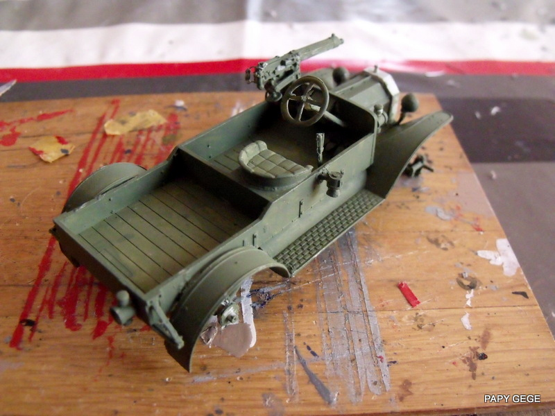 FORD T vickers machine gun carrier 1917 1/35 RESICAST - Page 2 22-dsc11