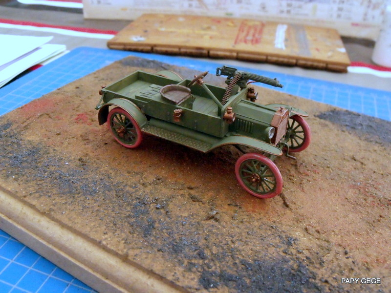 FORD T vickers machine gun carrier 1917 1/35 RESICAST - Page 2 27-dsc10