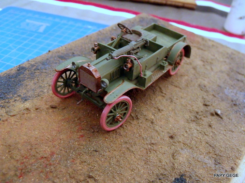 FORD T vickers machine gun carrier 1917 1/35 RESICAST - Page 2 30-dsc10