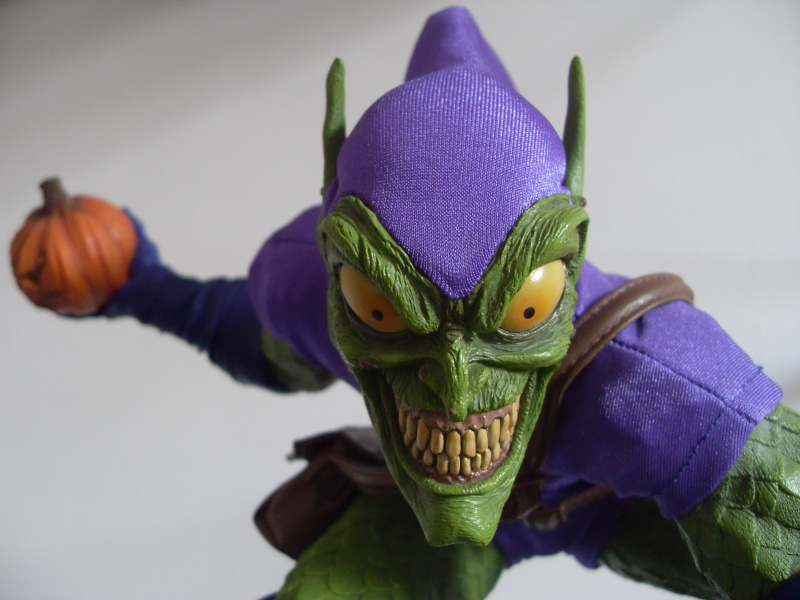 "Collection de Spider-Manu "" dernière arrivée HULK 1/4  "" Green_13"