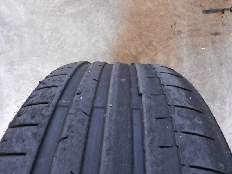 Les pneumatiques Dscn4625