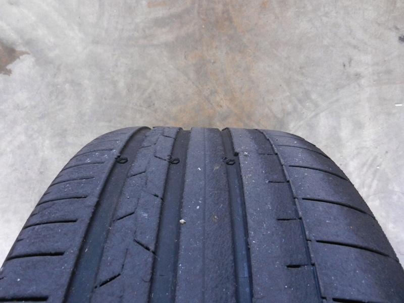 Les pneumatiques Dscn4626