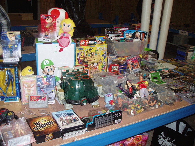 Bourse geek/retro-gaming/vintage toys à Tournai (Belgique) les 15 et 16 octobre 2016 P1010026