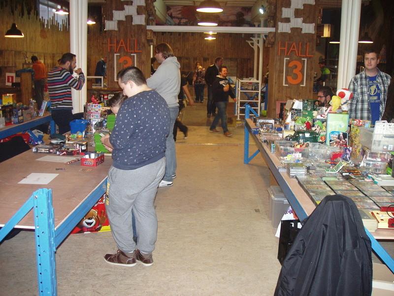 Bourse geek/retro-gaming/vintage toys à Tournai (Belgique) les 15 et 16 octobre 2016 P1010027
