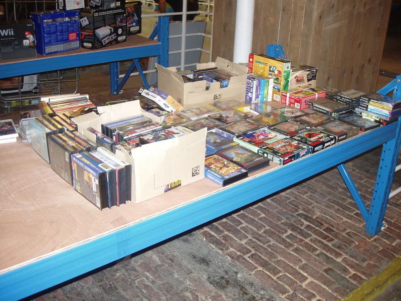Bourse geek/retro-gaming/vintage toys à Tournai (Belgique) les 15 et 16 octobre 2016 P1010045