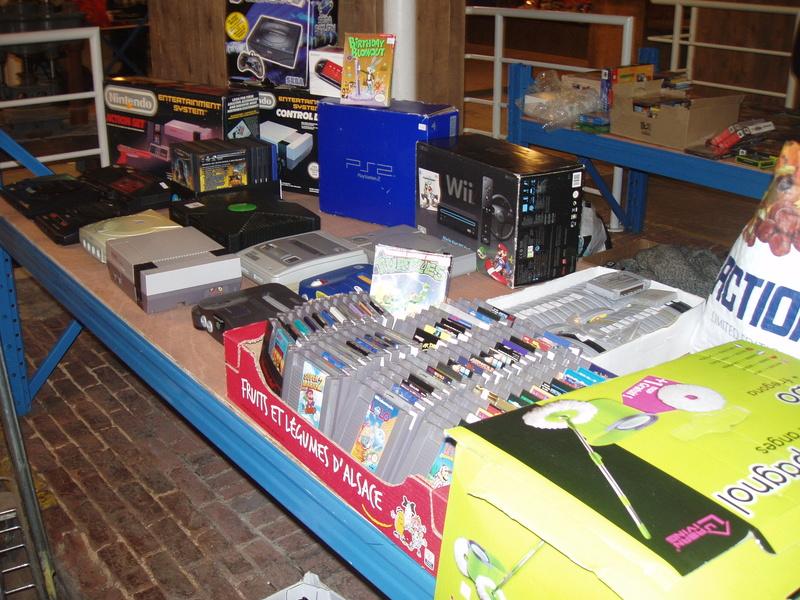 Bourse geek/retro-gaming/vintage toys à Tournai (Belgique) les 15 et 16 octobre 2016 P1010053