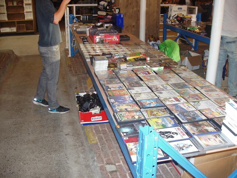 Bourse geek/retro-gaming/vintage toys à Tournai (Belgique) les 15 et 16 octobre 2016 P1010065