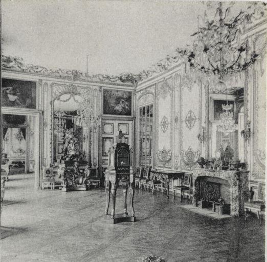 Un président chez le roi - De Gaulle à Trianon - Page 3 52010