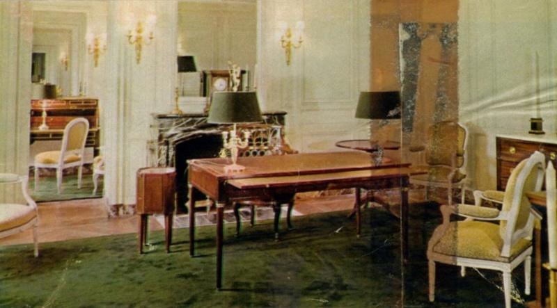 Expo au Grand Trianon : De Louis XIV à Charles de Gaulle  - Page 3 Img08610