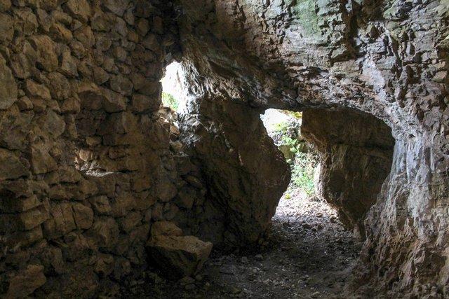 Abri fortifié de St Quinis St_qui10