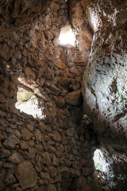 Abri fortifié de St Quinis St_qui11