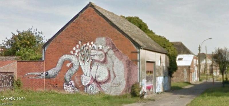 Les étranges graffitis d'un village fantôme. Doel en Belgique Fleurs12