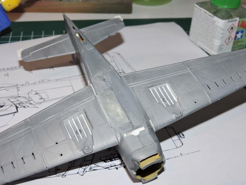 [AIRFIX reboîté par HELLER] Skyraider USAF : TERMINE - Page 3 Skyrai35