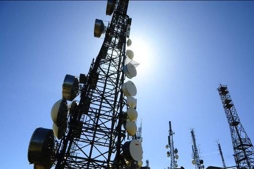 Hausse de la taxe Copé : les opérateurs télécoms inquiets Antenn10