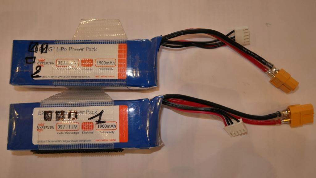 AV 2 Packs Lipo 3S 1900mA Hyperion P1070240