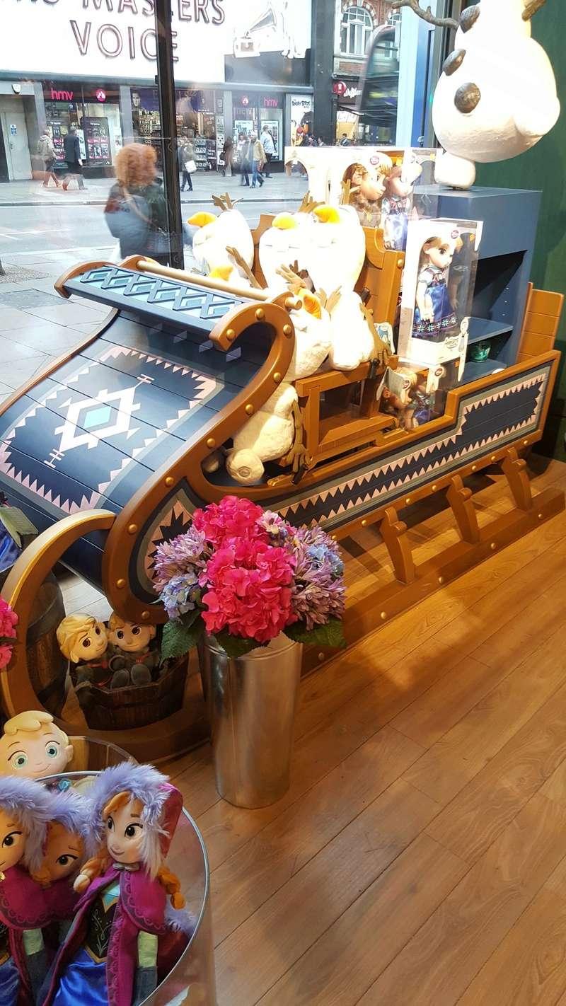 Les boutiques Disney Store FR en général - Page 20 20161036