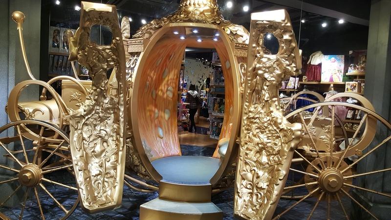 Les boutiques Disney Store FR en général - Page 20 20161037
