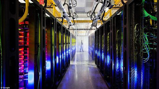 """جولة داخل مركز بيانات جوجل """"Google data center"""" 82015210"""