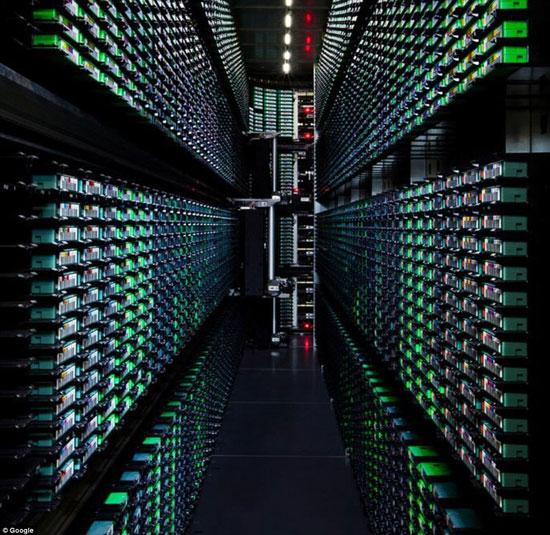 """جولة داخل مركز بيانات جوجل """"Google data center"""" 82015214"""