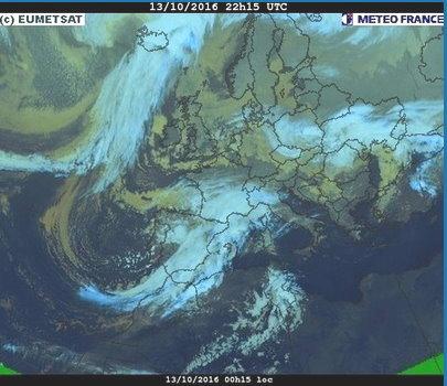 phénomènes climatiques à répétition : cyclones - Page 14 Cart1310